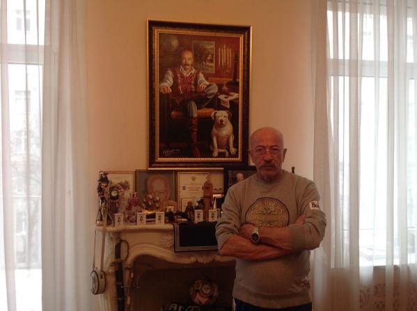 Подарок А. Розенбауму на 60 лет от радио Шансон - картина Артфото.