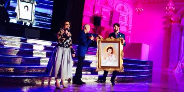 Подарок Александра Пескова на свадьбе дочери Розы Сябитовой - картина Артфото.